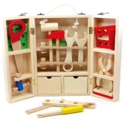 Ξύλινα εργαλεία μαραγκού σε ανοιγόμενη εργαλειοθήκη με συρταράκια
